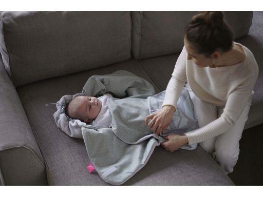 Otulacz samochodowy zintegrowany kocyk motherhood
